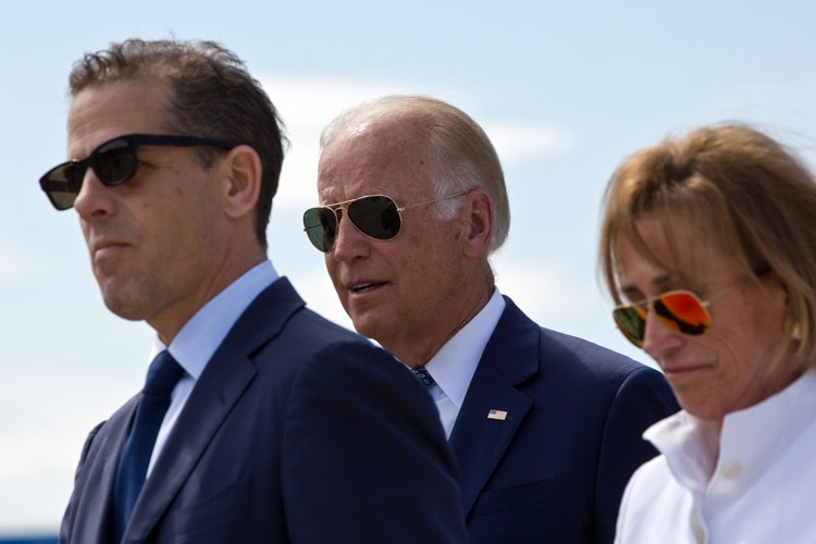 E-mails: Hunter Biden Had $30M Deal With Chinese Oligarchs. Text: Joe Biden Took Half of Relatives' Income